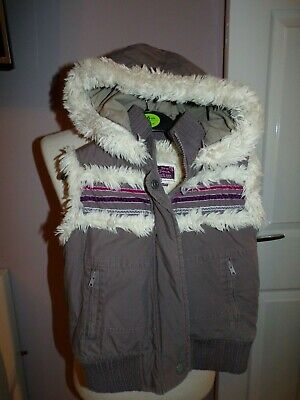 Superb Little Girls Fat Face Faux Fur Deep Quilted Gilet 2-3 Years Rrp £50.00