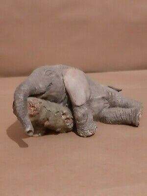 Tuskers 91042 Elephant ornament - Tiny Tess - All worn out