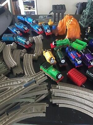 Thomas the tank engine Take n Play Bundle. Trains And Track