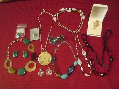 b05fa5ab1d696 HUGE VINTAGE JEWELRY Lot - Pins Earrings Etc - 5.15 Lbs - $26.01 ...