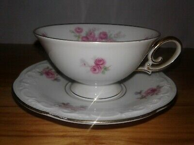 Bavaria Tirschenreuth Tea Cup & Saucer Set Germany Dainty and Fine 1 3/4 in tall