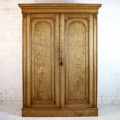 Antique Scottish William IV Figured Elm Two Door Fitted Wardrobe, c.1830