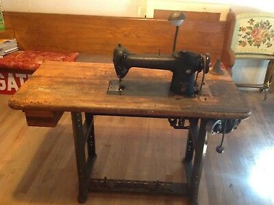 Vintage Singer 241-13 Sewing Machine
