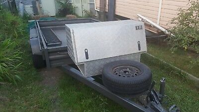 10 ft x 6 ft , trailer in great condition.