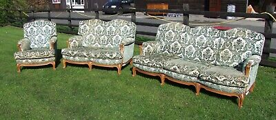 Vintage French Louis XV Style Carved Oak 3 Piece Salon Suite. (CONSS01)