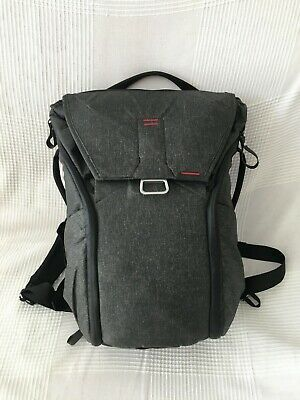 Everyday backpack mochila Peak Design 20l en gris carbón