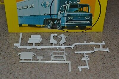 Revell/Con-Cor HO 1:87 Ford C-cab kit
