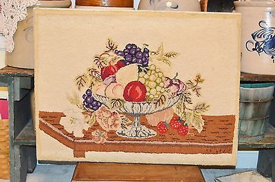 Antique Maine New England Early Hooked Rug Exquisit Handwork Fruit Bowl Folk Art