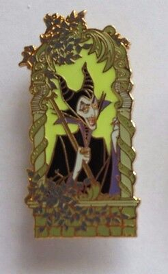 Disney Auctions Maleficent Gold Frame Glow In Dark Sleeping Beauty Le 500 Pin