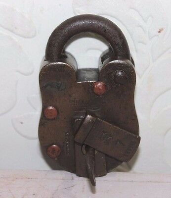 Indian Vintage Antique Hand Crafted Engraved Brass Lock with Key PT-21