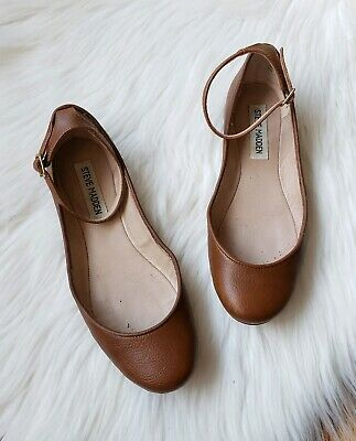 053b39f13bd STEVE MADDEN BALLET flats with ankle strap Womens size 6 •Cognac Brown