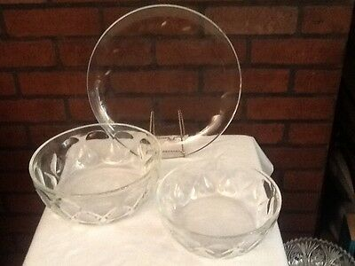 Pyrex Clear Glass Serving Platter and Two Bowls - Tear Drop Pattern -Vintage