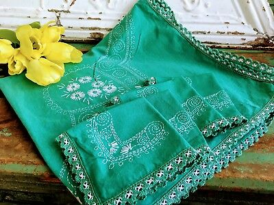 Vintage Green Luncheon Tablecloth /Napkins Crochet White Embroidery