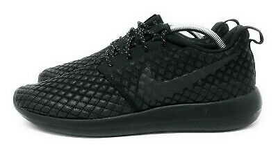 95bc3de5088b Nike Roshe Two Flyknit 365 Men s Size 10 Black Excellent Condition  859535-001