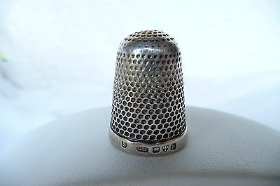 Antique CHARLES HORNER Hallmarked Sterling Silver Thimble : Chester 1900  Size 5
