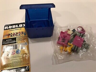 FREE SHIP * DRAGON RAGE CONTESTANT* Roblox Celebrity Series 2 NEW UNUSED Code