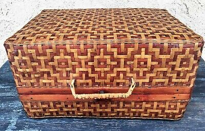 CHINESE ANTIQUE TWO-TONE WOVEN WICKER STORAGE BASKET w/ HANDLE & WOOD HINGES