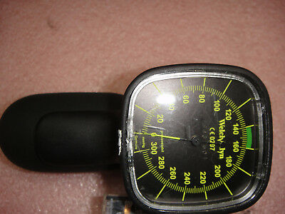 Welch Allyn Ce 0297  Sphygmomanometer Hhand Gauge (Look Picture)