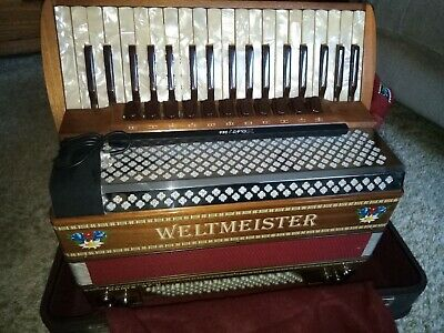 Weltmeister Monte piano accordion, 4 reeds, made in Germany, compact pickup mic