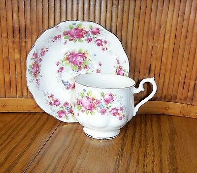 Royal Albert Bone China Cup & Saucer / Pink Roses with Gold Trim / Hampton Shape