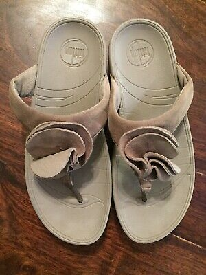 e44133433 Fitflop Yoko Walk Star Flower Flip Flop Thong Sandals Gray Suede Womens  Size 6