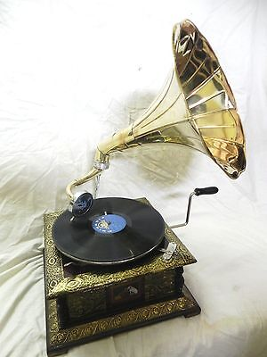 Antique Gramophone Phonograph Crafted Machine With Plain Brass Horn V