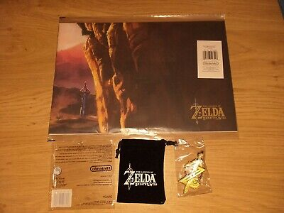 Legend of Zelda Breath of the Wild Promo Keyring in pouch & Poster. NEW SEALED