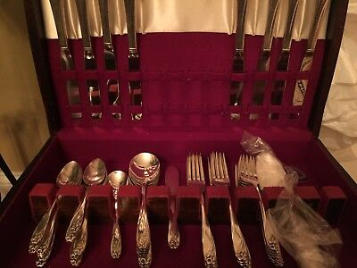 1847 Rogers Bros 52 Piece Daffodil Pattern Silverware Silverplate Flatware & Box