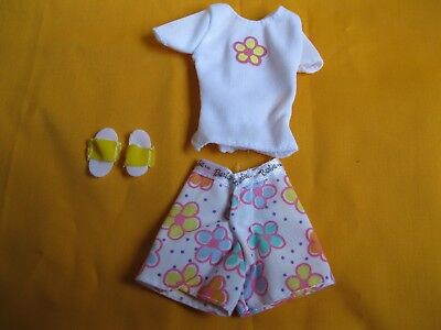 Mattel Barbie Go in Style Fashions Pyjamas Shirt, Shorts and Slippers GUC