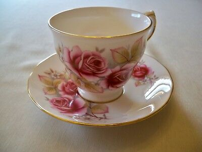 Queen Anne Bone China Tea Cup & Saucer Set Pink Roses Gold Trim Made in England
