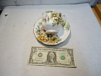 vintage Royal Albert Daisy Flower of Month China Cup, Saucer Set Made in England