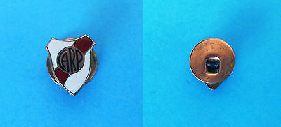 CA RIVER PLATE - Argentina football soccer club old enamel buttonhole pin badge