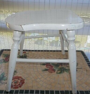 vintage 1950's WOOD WHITE PAINTED FOOTSTOOL very CUTE PRIMITIVE