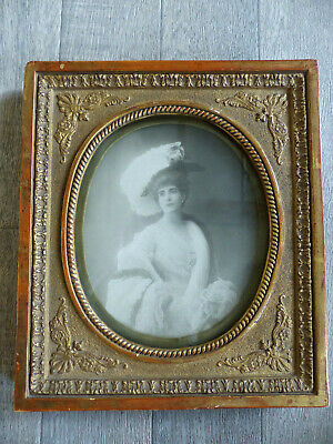 SUPERB FRENCH LATE 19th CENTURY PICTURE FRAME w. ELEGANT LADY PHOTO 1890's