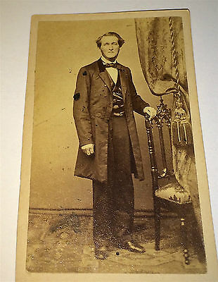 Antique American Civil War Era Old Gentleman! C.1861 Philadelphia, PA CDV Photo!