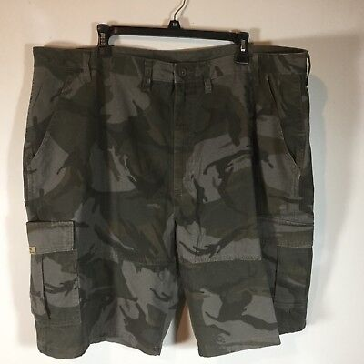 22d9e11d2b NWT Men's Wrangler Camo Cargo Shorts green Relaxed Fit Camouflage size 44  new