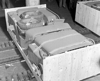 WW2 WWII Photo US Army Jeep in a Box Wartime Production World War Two / 3165