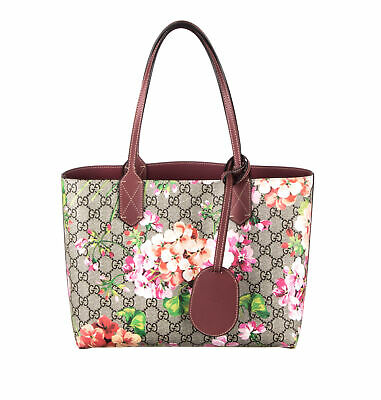 ad5a17739e6 GUCCI GG BLOOMS tote bag PVC leather beige multi-color flower print ...