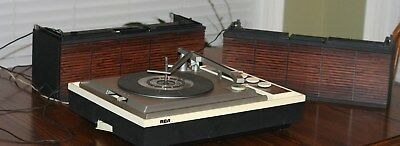 Vintage RCA Portable Phonograph Record Player  Advance Solid State  Model VPP46E