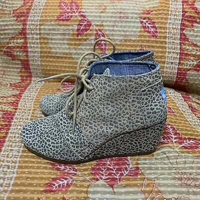 876825c2f9b TOMS Desert Wedge Cheetah Leopard Lace Up Ankle Boots Animal Print US 6