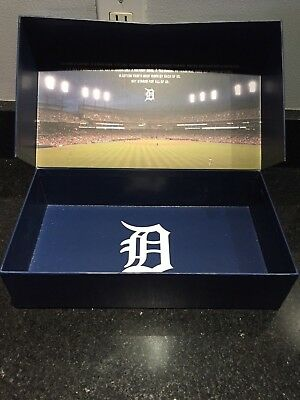 2017 Detroit Tigers Season Ticket Holder Box w/ Media Guide