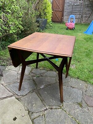 Mid Century Table Vintage Design - Great Up cycling Project