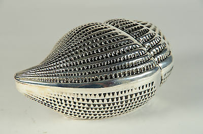 Vintage shell design silver trinket box