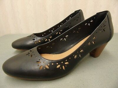 f20505aaab112 CLARKS Artisan Black PERFORATED Leather Slip On Casual Dress Pump Heel Women  9.5