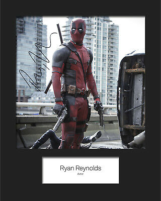 FREE DELIVERY RYAN REYNOLDS #6 A5 Signed Mounted Photo Print RePrint