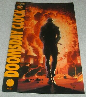 Dc Comics Doomsday Clock # 4 Vf+/Nm Cover B