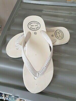 Fat face white girls flip flops. Size UK 3. Used but in excellent condition