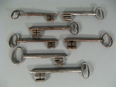 Set of Keys Antique Metal / 7 Keys Collection Forged Iron Locksmith
