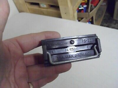 vintage cutler - hammer fuse box pull out 30a max  240 vac  ps-