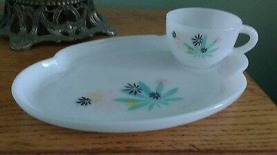 Fire King Atomic Flower Snack Set Mid Century Tea Cup Coffee Cup Milk Glass Set